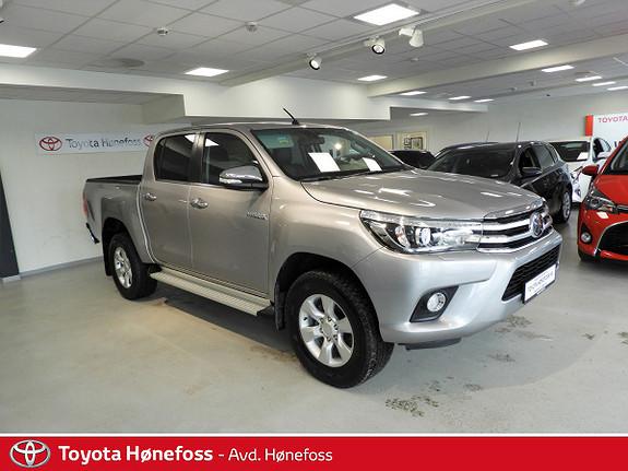 Toyota HiLux D-4D 150hk D-Cab 4WD SR aut , hengerfeste, skinn ++  2017, 22000 km, kr 385000,-