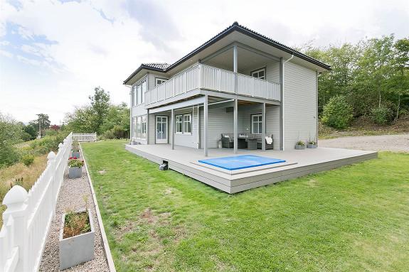"""Frogner - Strøken og """"ny"""" familievilla med """"smart hus løsninger"""" på Frogner i Skien. Dobbelgarasje og med flott utsikt!"""