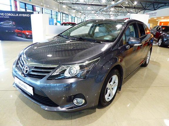 Toyota Avensis 2,0 D-4D 124hk Premium m/glasstak og Navi  2012, 55000 km, kr 169000,-