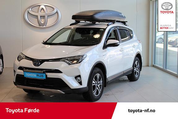 Toyota RAV4 Hybrid AWD Executive Skinnseter, Skiboks, Hengarfeste  2017, 52244 km, kr 429000,-