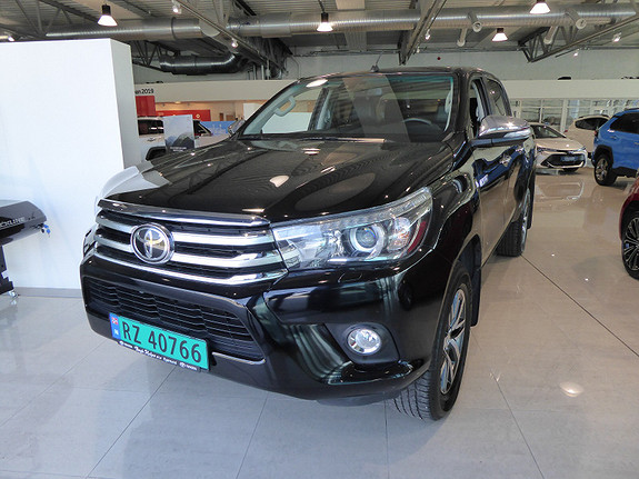 Toyota HiLux D-4D 150hk D-Cab 4WD SR+ aut m/DAB+  2017, 37814 km, kr 409000,-