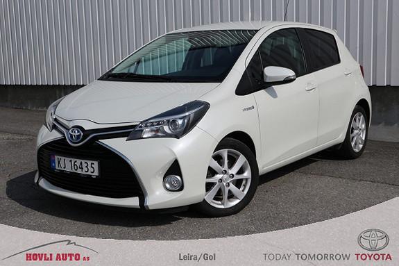 Toyota Yaris 1,5 Hybrid Style e-CVT aut // Toppmodell // EU 2021 //  2015, 43800 km, kr 149000,-