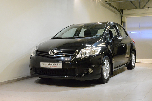 Toyota Auris 1,4 D-4D Silver Edition, HENGERFESTE,  2012, 96400 km, kr 88000,-