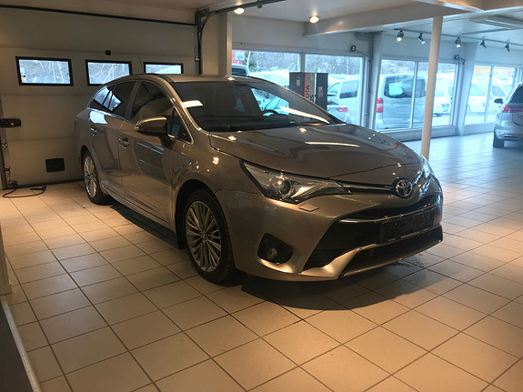 Toyota Avensis Touring Sports 1,8 Bensin Automat Active Style  2015, 72 612 km, kr 265 000,-