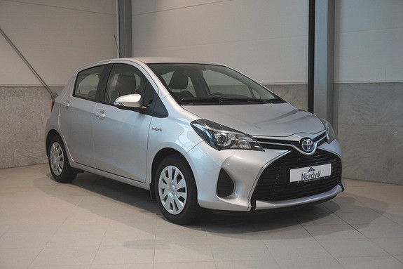 Toyota Yaris 1,5 Hybrid Active e-CVT  2015, 24352 km, kr 139000,-