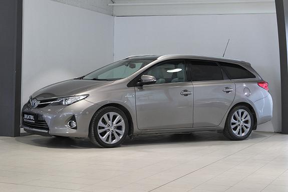 Toyota Auris Touring Sports 1,8 Executive Skinn, P.sensorer, Xenon++  2013, 82400 km, kr 174900,-