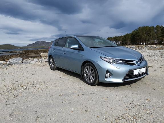 Toyota Auris 1,8 Hybrid E-CVT Executive  2013, 100353 km, kr 159000,-