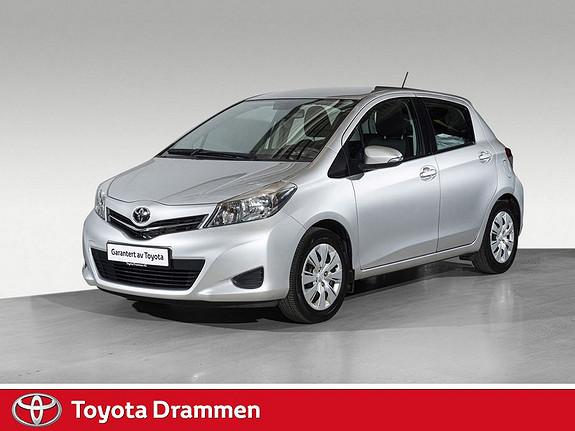 Toyota Yaris 1,0 Active Navigasjon og lav km-stand  2013, 31800 km, kr 109000,-