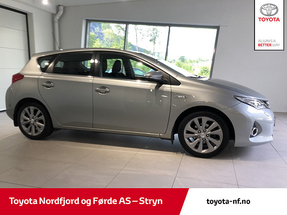 Toyota Auris 1,8 Hybrid E-CVT Active  2013, 157230 km, kr 125000,-