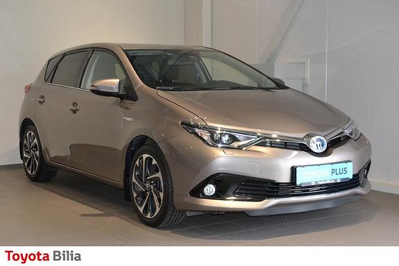 Toyota Auris 1,8 Hybrid E-CVT Style  2015, 34800 km, kr 177000,-