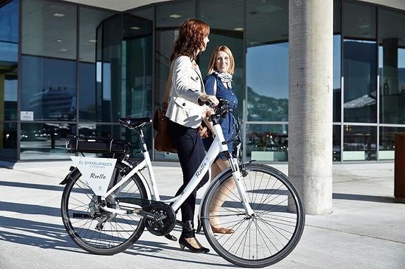 Hos oss kan du leie el-sykkel, el-bil og segway