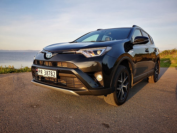 Toyota RAV4 2,5 Hybrid Active Style  2016, 42100 km, kr 345000,-