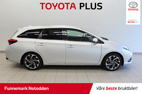 Toyota Auris Touring Sports 1,8 Hybrid Style Edition 136hk Panor.tak  2016, 76 000 km, kr 199 000,-