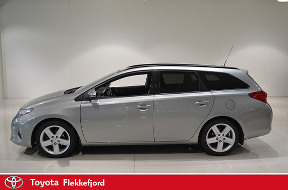 Toyota Auris Touring Sports 1,6 Mdrive Style  2014, 59980 km, kr 199000,-