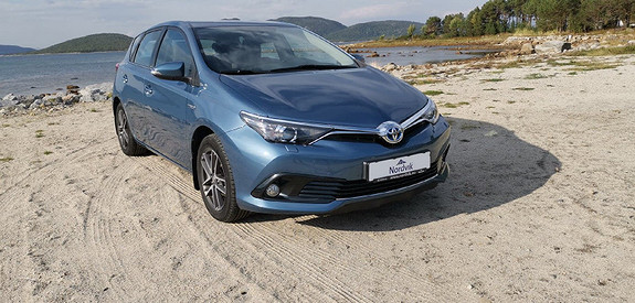 Toyota Auris 1,8 Hybrid E-CVT Active  2015, 107606 km, kr 185000,-