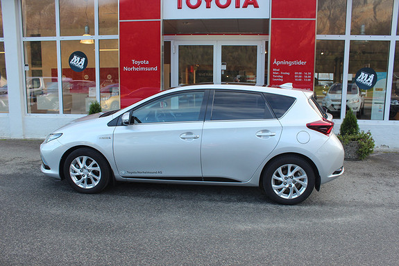 Toyota Auris 1.8 Hybrid Sport Vision, TECTYL  2018, 13700 km, kr 269900,-