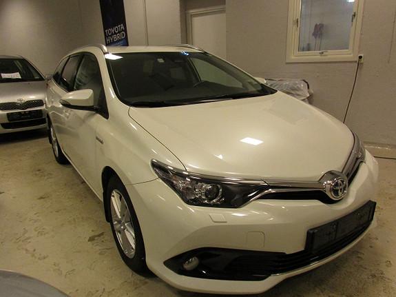 Toyota Auris 1,8 hybrid  2017, 63077 km, kr 209900,-