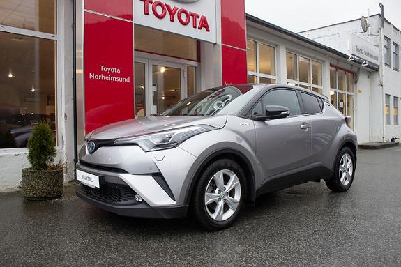 Toyota C-HR 1.8 Hybrid Lounge Tech Bi-tone  2018, 32900 km, kr 299900,-