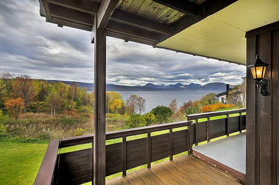 Flott utsikt også fra balkongen til leiligheten