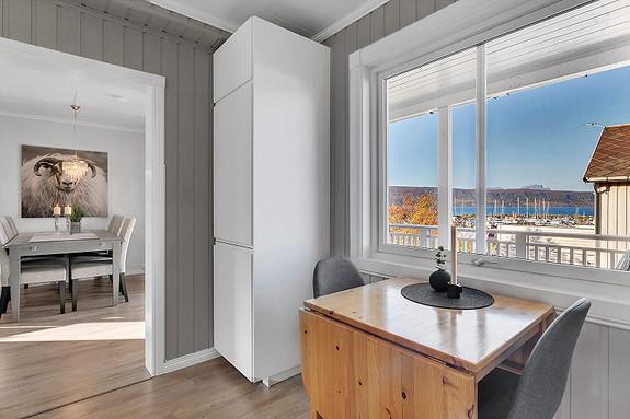 Utsikt fra kjøkkenvinduet