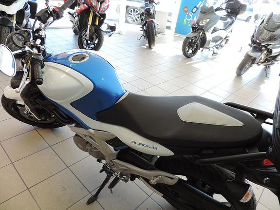 Bilbilde: Suzuki SFV650 Gladius