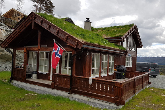 SIMON SANDE – Hovden – Hytten «Kikut Panorama» / 2 stuer eller 6 soverom