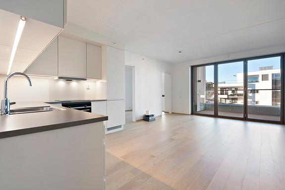 Husøy Havn- Ny og lekker 2-roms leilighet med balkong-TV/Internett, varme inkl.