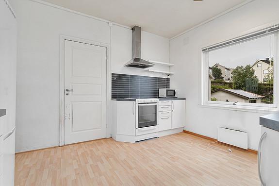 1. etasje - Plass til spisebord på kjøkkenet