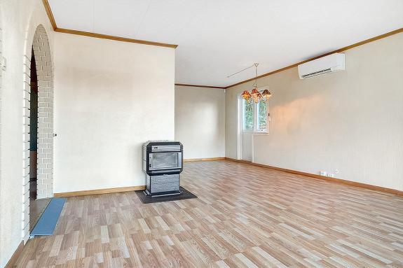 Hovedplan - Peisovn i stue, 1. etasje.
