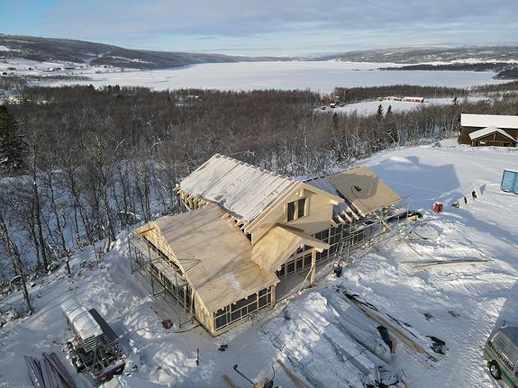 Storodde XL – Stor hytte med 4 soverom, 2 stuer og 2 bad, fantastisk utsikt utover Stugusjøen