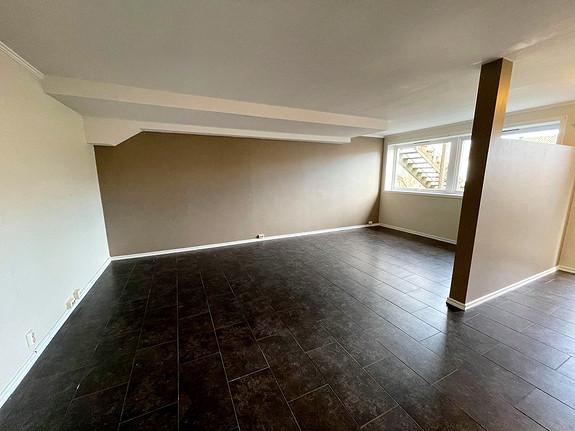 Romslig leilighet med 2 soverom og parkering på Grimestad