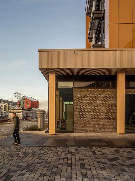 Lokalets fasade mot Legevakten