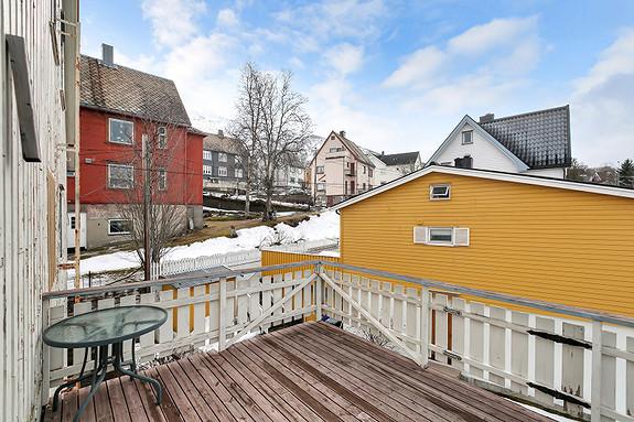 2etg - Veranda med utsikt mot Fagernesfjellet, gode solforhold