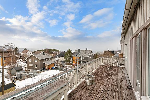 2etg - Stor veranda med utsikt mot Øyjord/Hålogalandsbrua