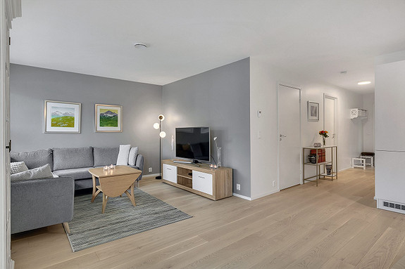Stue i lyse, moderne farger