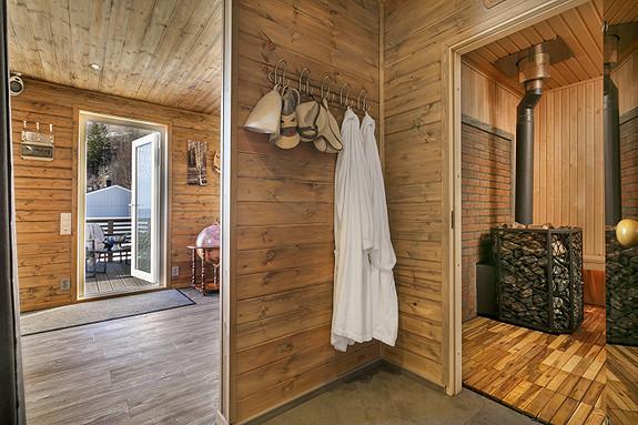 Her kan du tussle rett fra badstuen ut i et spabad