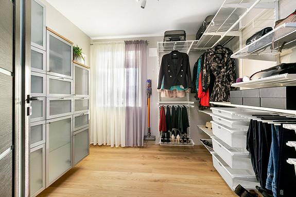 1etg - Walk-in garderobe / Soverom 4