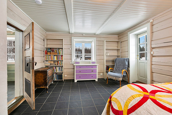 Hus 1 - Soverom/stue ved kjøkken - Utgang til terrasse