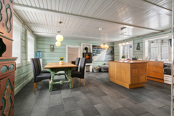 Hus 1 -  Fra entré kommer du rett inn i kjøkken/stue/allrom