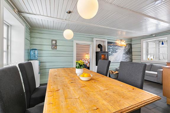 Hus 1 - Spisegruppe i kjøkken/allrom