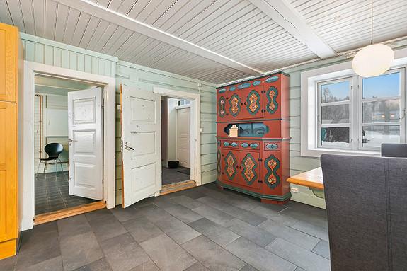 Hus 1 - Kjøkken sett mot vaskerom og entré