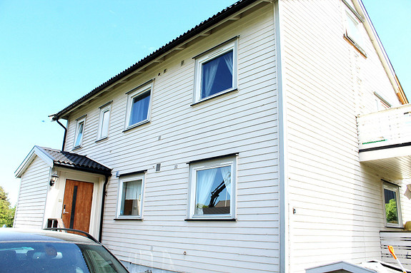 Pen leilighet med 2 soverom og garasje på populære Breidablikk i Sandefjord.