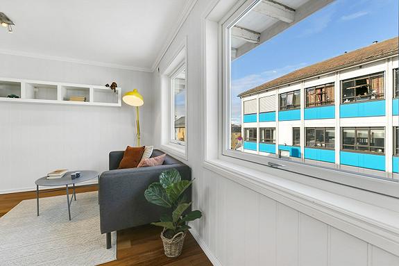 Stue med nye vinduer