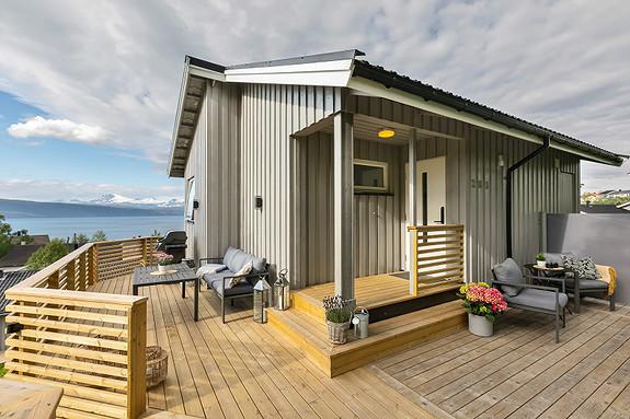 Flotte uteplass med utsikt over Ofotfjorden!