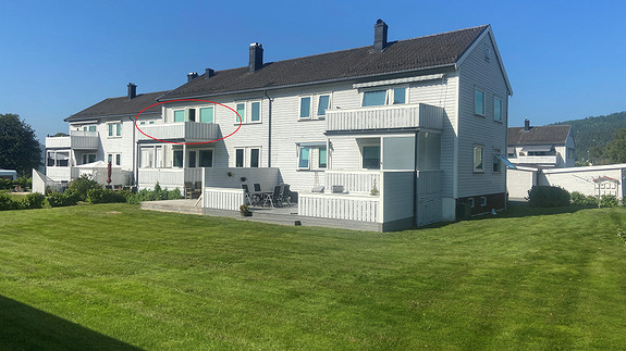 Flott leilighet med 2 soverom, garderoberom, garasje og veranda