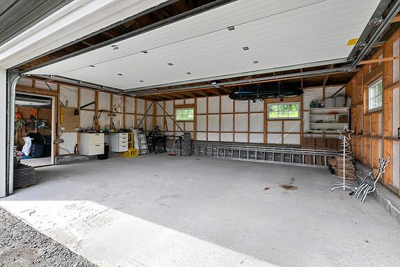 Garasje er klargjort for isolering, loftsrom klargjort for innredning