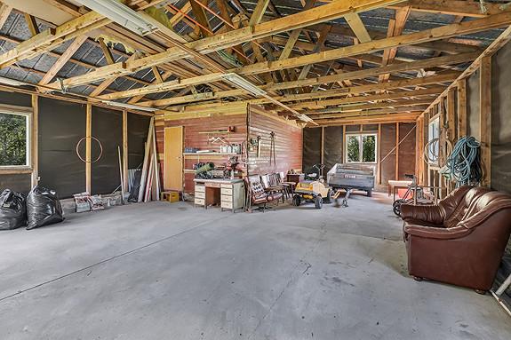 Stor garasje