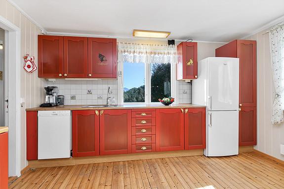 Kjøkkeninnredning med malte fronter