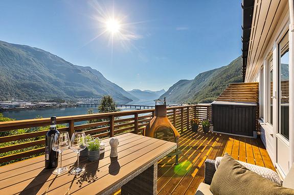 Nå kan denne utsikten bli din - Velkommen til Nyborgveien 24!