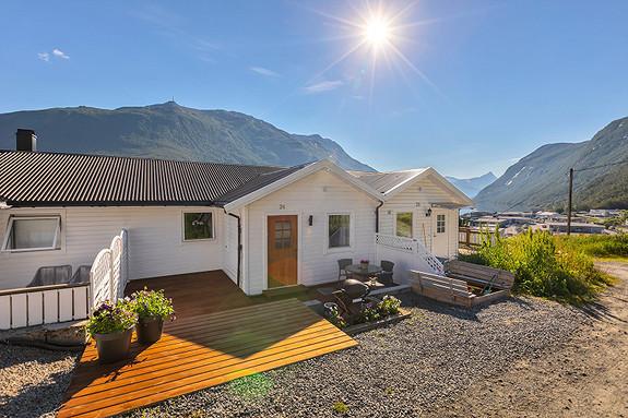 Flott uteområde med terrasse!